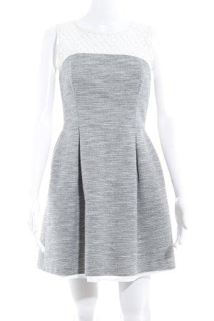 Warehouse Etuikleid weiß-schwarz Webmuster Casual-Look