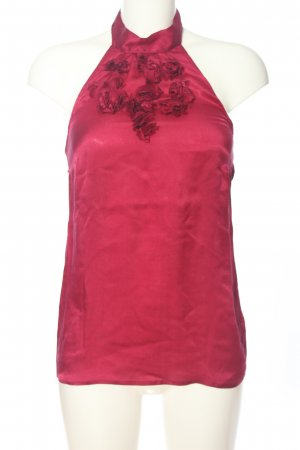 Warehouse Top estilo halter rojo look casual