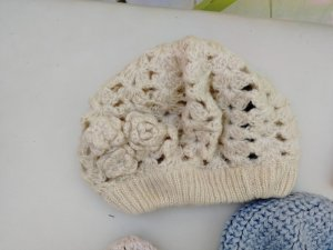 Pieces Knitted Hat beige