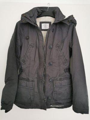 Warme Basic-Jacke mit Pelzimitat