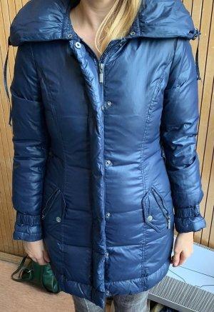 Warme Daunenjacke in top Zustand und schönen glänzendem Blau