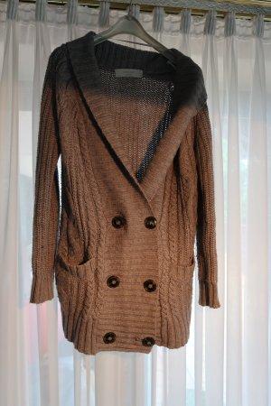 Warme graue Strickjacke von Zara