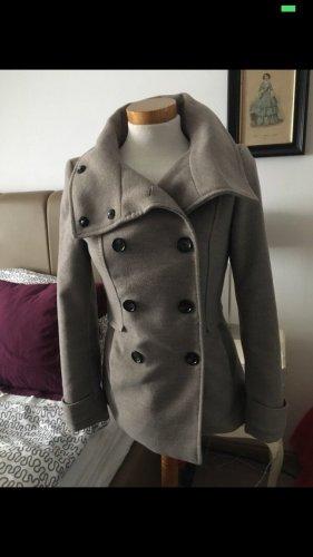 Warme Jacke H&M 34 xs braun Kragen Caban zara