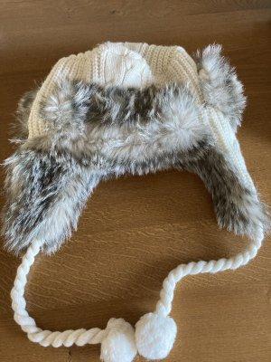 Bench Futrzana czapka w kolorze białej wełny-beżowy