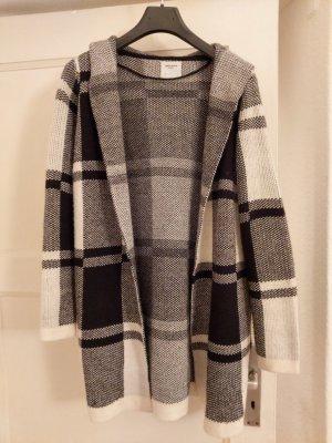 Vero Moda Płaszcz z dzianiny biały-czarny