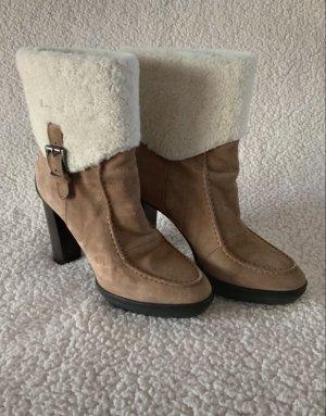 Tod's Futrzane buty biały-camel Skóra