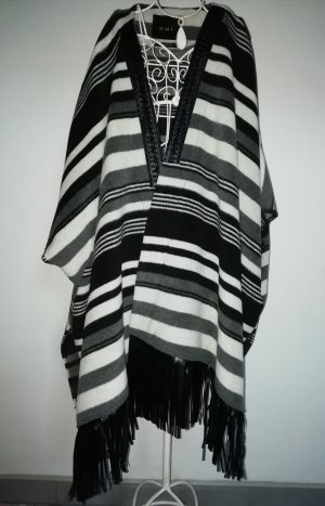 warmer Poncho mit Lederfransen, OUI, NP 199,00 €!!! Blogger must have