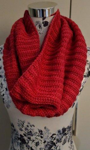 Atmosphere Crochet Scarf raspberry-red-pink