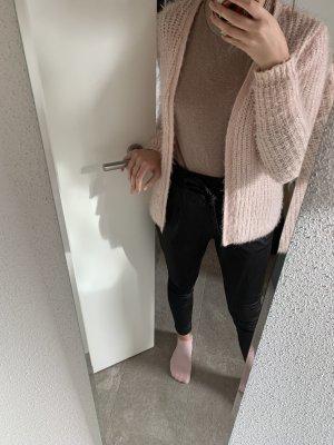 Warmes rosa Jäckchen