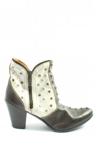 We are Western Booties black-white casual look