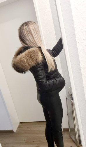 We Love Furs Donsjack zwart