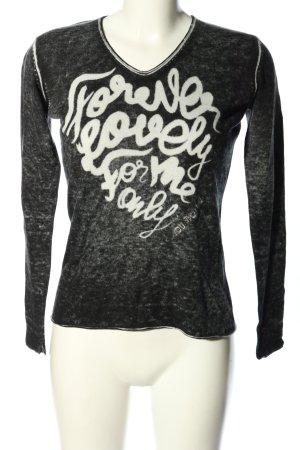 We love XOX V-Ausschnitt-Pullover