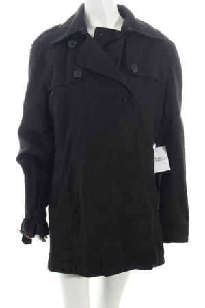 WE Trenchcoat schwarz Street-Fashion-Look