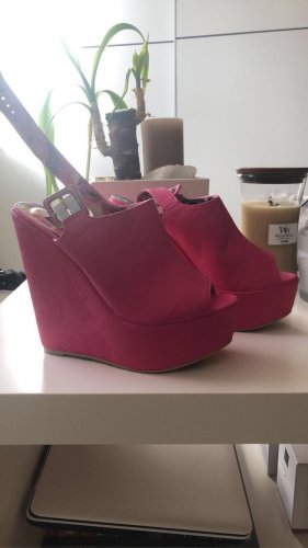 Wedges Pink Iron Fist