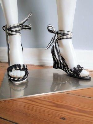 Wedges Sandaletten mit geschnürten Bändern
