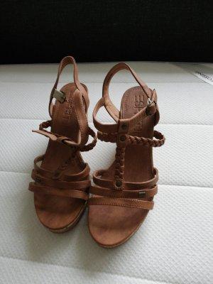 Esprit Zapatos de cuña marrón