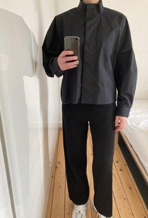 Weekday Bluse Hemd Oversize schwarz Volants Puffärmel Stehkragen
