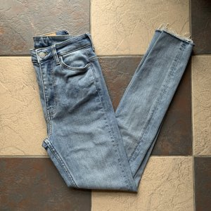 Weekday High Waist Jeans pale blue-azure