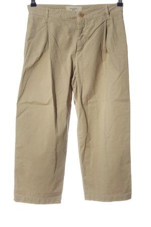 Weekend Max Mara Pleated Trousers cream casual look