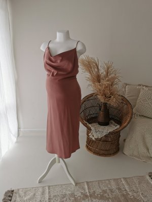 Weich fallendes Kleid seidig