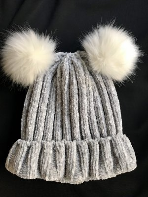 C&A Sombrero de punto gris claro-blanco