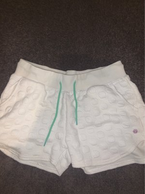 Weiche Shorts mit Türkises Schnürband