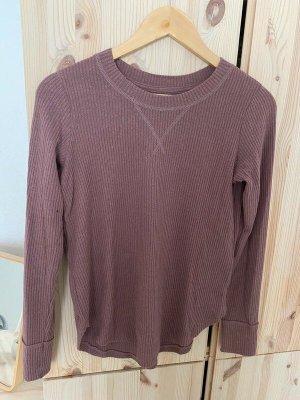 Weicher dünner Pullover