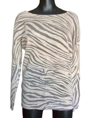 Weicher, dünner Pullover mit Zebra-Muster