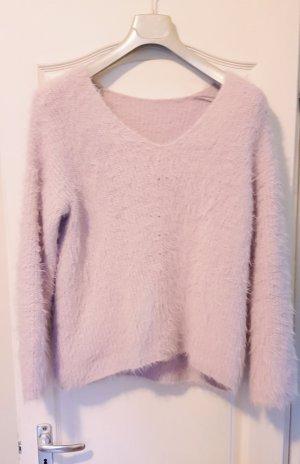 weicher Pullover flieder