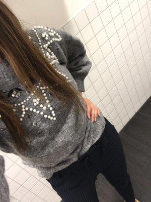Weicher Übergängspulli / grauer Pullover mit Steinchen