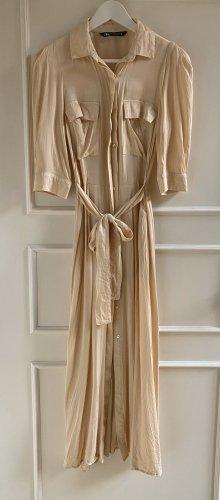 Weiches Satin Kleid von ZARA
