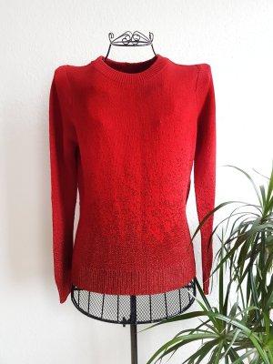 Weihnachtlicher roter Pullover mit Glitzer