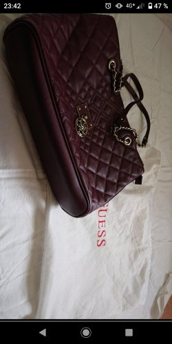 Weinrote Guess Tasche