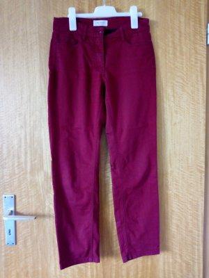 Weinrote Jeans in Kurzgröße