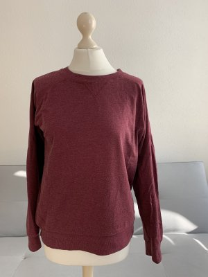 Weinroter Basic-Pullover