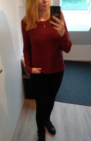 Weinroter Grobstrick-Pullover