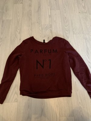 Weinroter Pullover