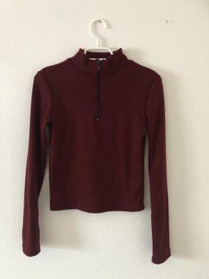 Weinroter Pullover mit Reißverschluss