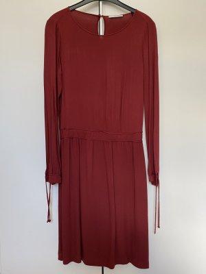 Weinrotes Kleid von Esprit