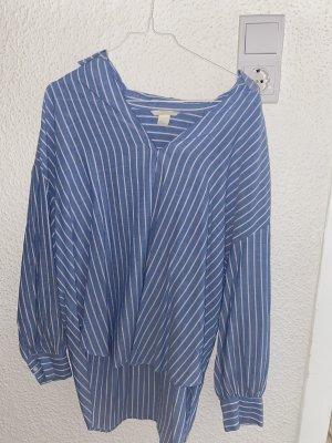 Weiß blauer Hemd
