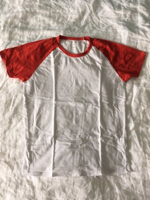 weiß rotes T-shirt