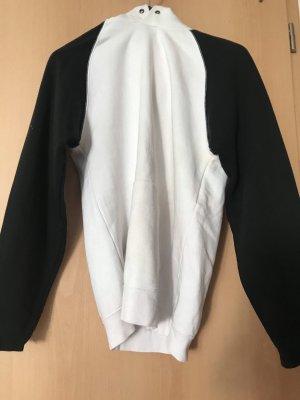 Weiß schwarzer Pulli