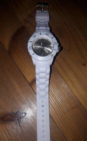 Weiße Armbanduhr | Monte Carlo