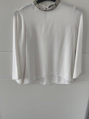 Weiße Bluse aus Zara mit Perlenkragen