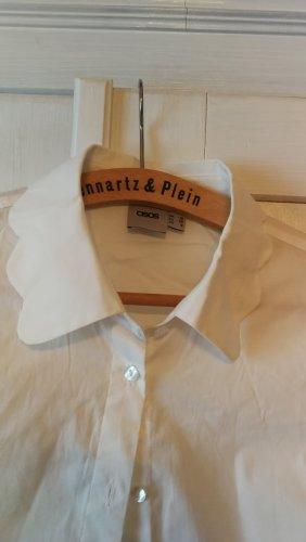 weiße Bluse mit Blümchen Kragen