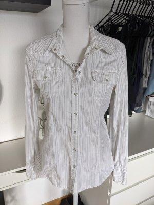 Weiße Bluse mit dünnen grauen Streifen