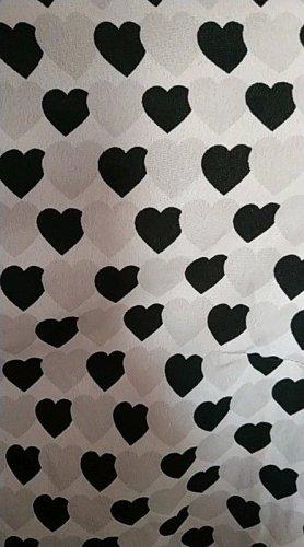weiße Bluse mit grau- schwarzen Herzen von H&M