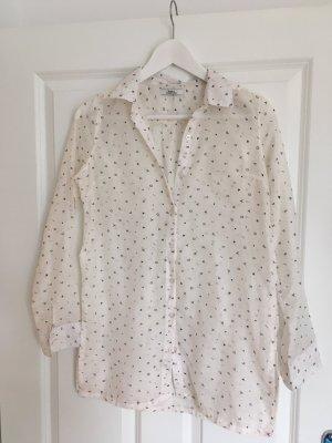 weiße Bluse mit Muster