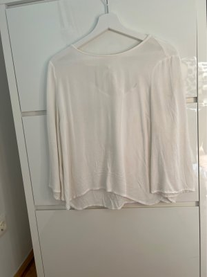 Weisse Bluse mit Schleife am Rücken