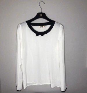 Weiße Bluse mit schwarzer Schleife - neuwertig